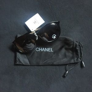 NWT Chanel